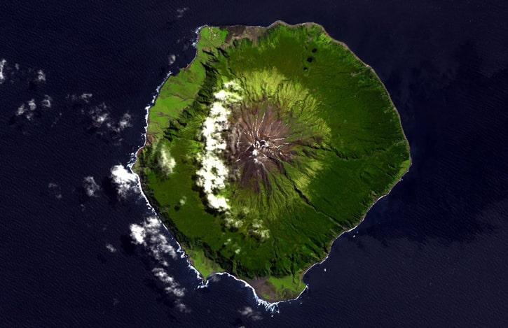 Самый удаленный остров на Земле: Тристан-да-Кунья