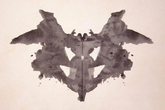 Карточка 1. «Летучая мышь, бабочка, моль»