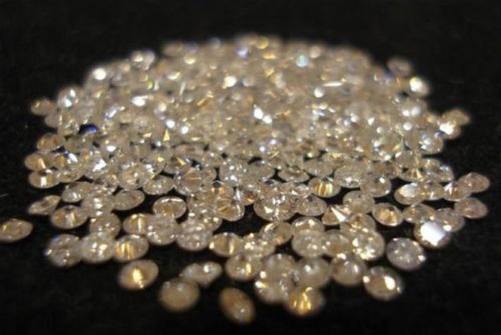 На Сатурне и Юпитере идут дожди из алмазов