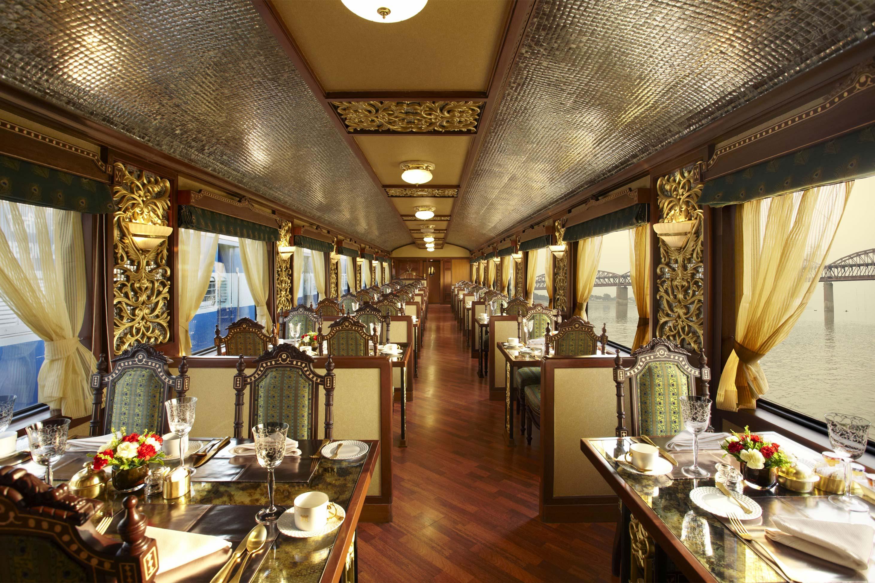 Поезд Maharajas Express