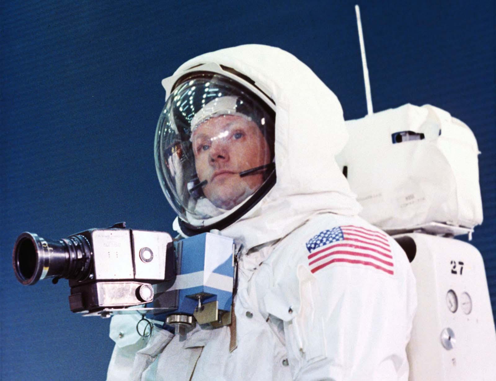 Apollo 11 Commander Нил Армстронг