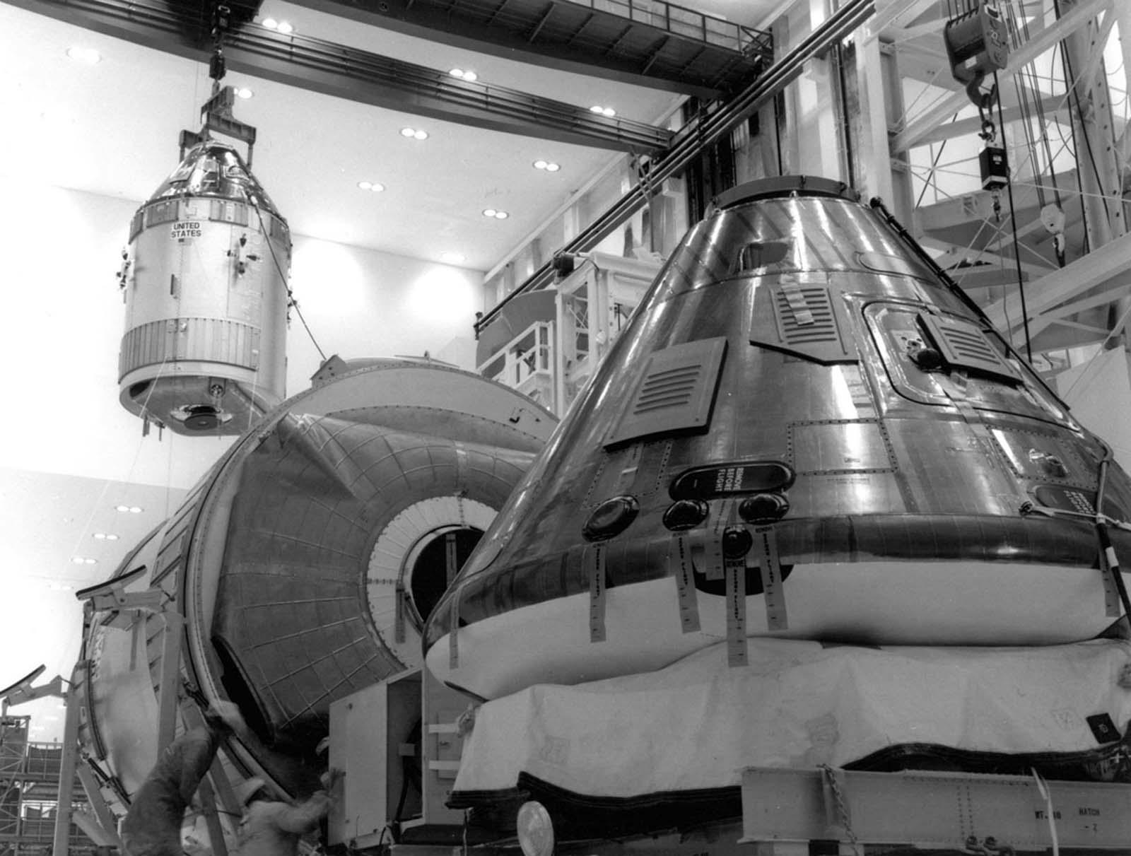 Командный модуль и служебный модуль для миссии «Аполлон-11»
