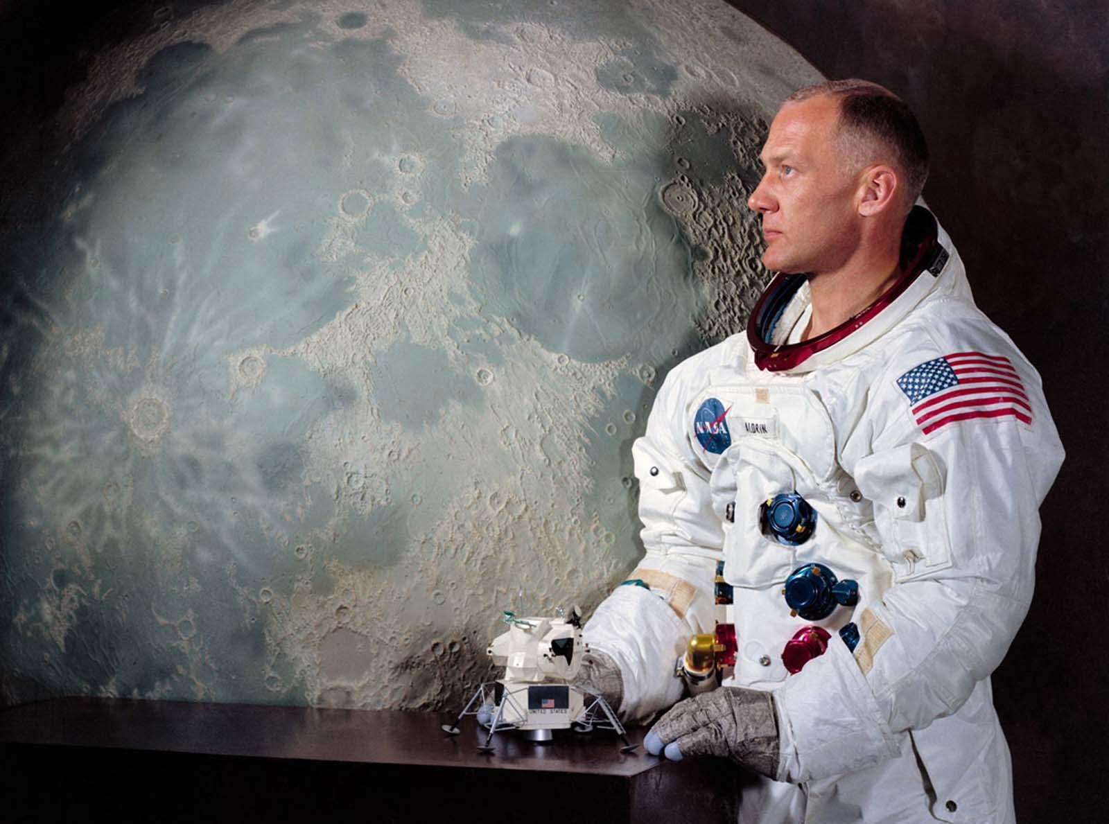 Официальный портрет Аполлона-11