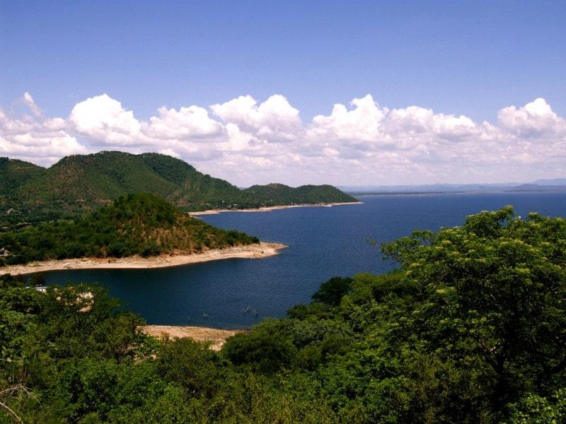 Озеро Кариба