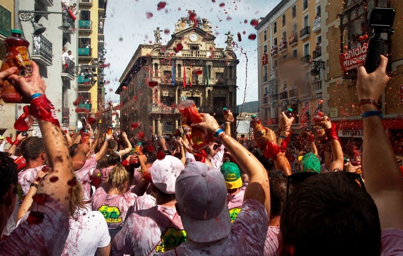в Испании так много праздников