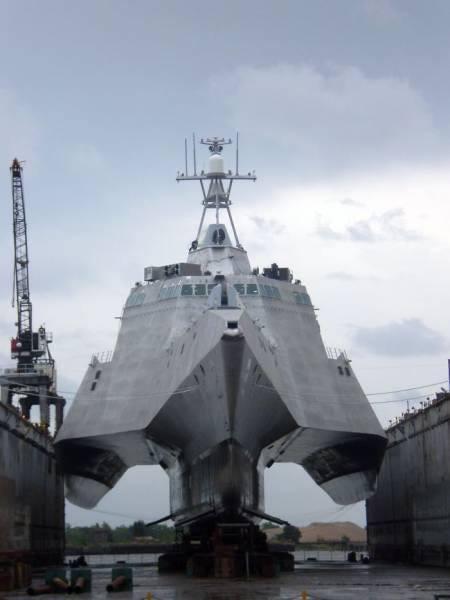 днище современного военного корабля