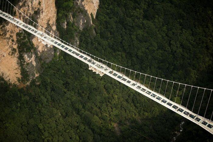 мост со стеклянным полом