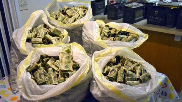 Деньги нашли на чердаке