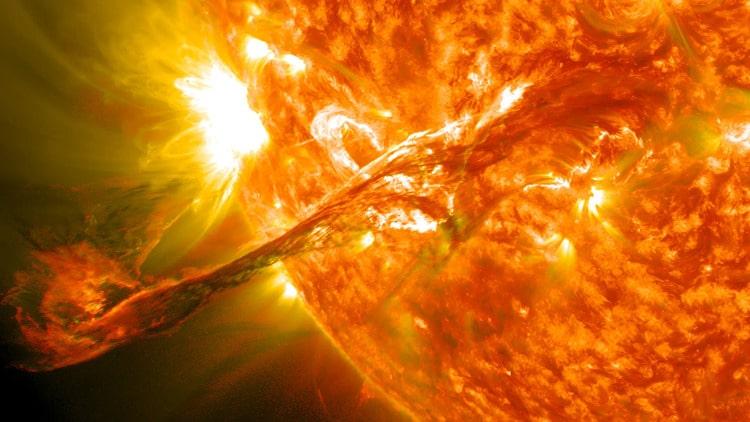 Как светит солнце