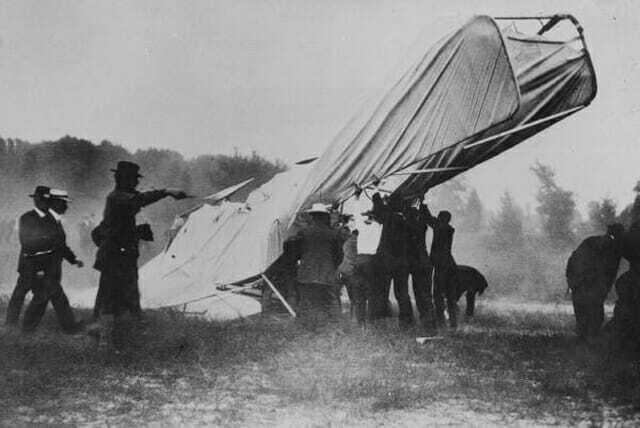 Первое фото авиакатастрофы со смертельным исходом - 1908-
