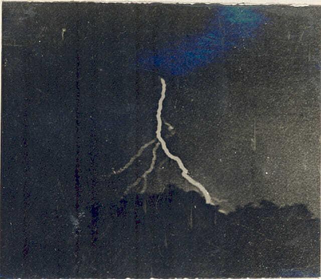 Первое фото молнии - 1882