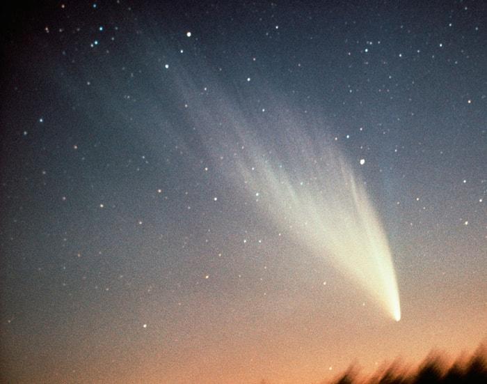 Появление кометы «Вест»