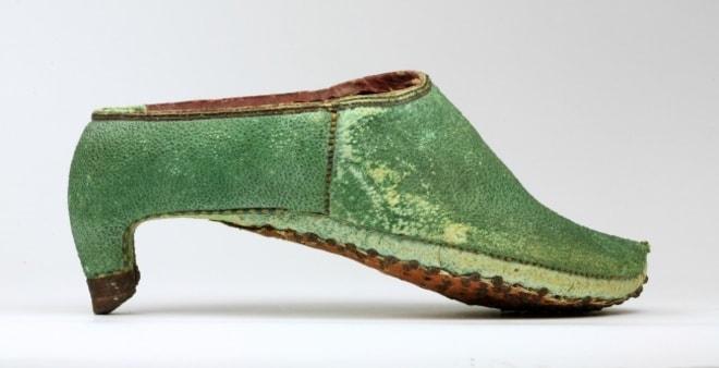 Обувь в персидском стиле