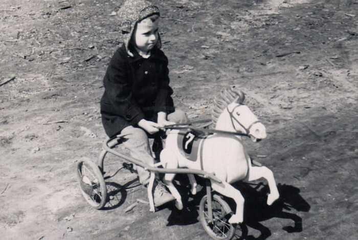kon-pedalniy