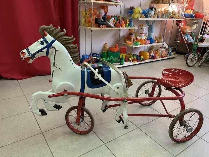 Педальный конь