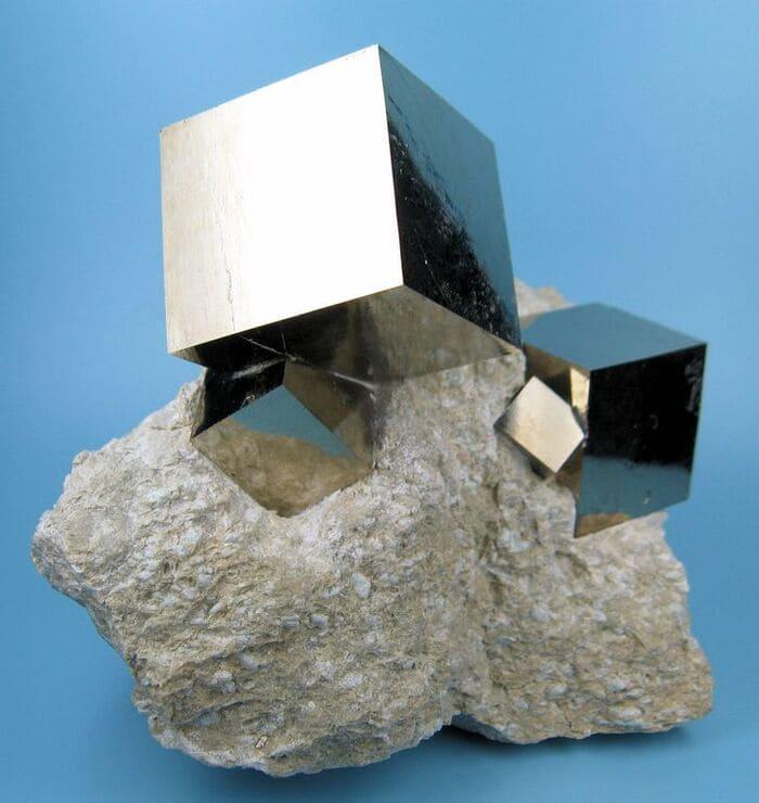 Идеальные пиритовые кубы