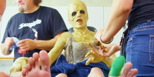 Как фильмы ужасов выглядят за кадром?