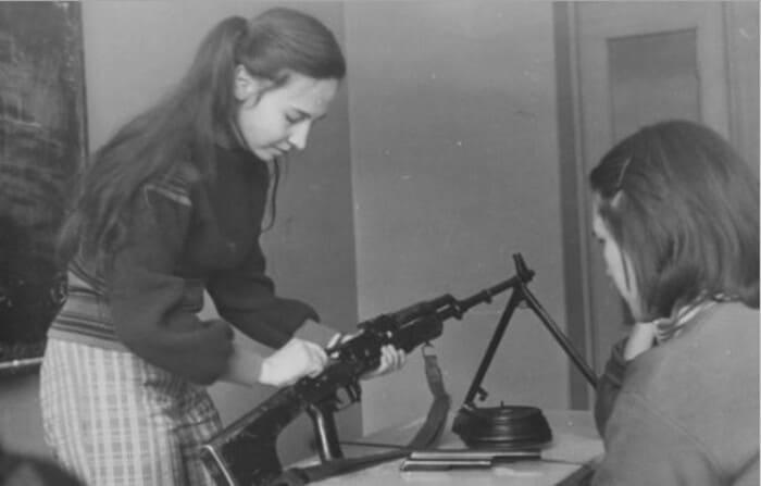Уроки Начальной Военной Подготовки в СССР