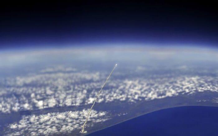 Вид космического челнока «Атлантис»