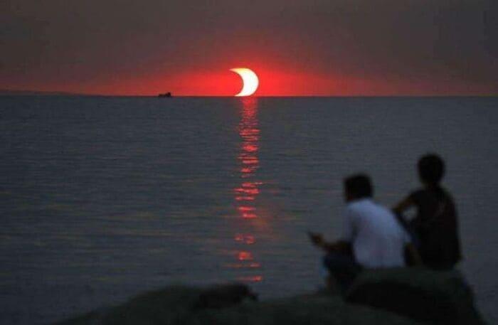 Закат и солнечное затмение