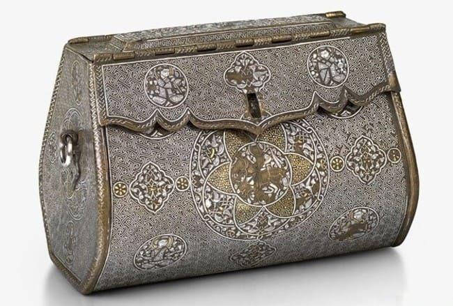 самая старая сохранившаяся женская сумочка в мире