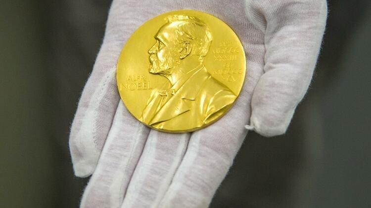 Почему Нобелевская премия не вручается за достижения в математике