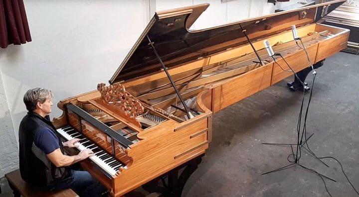 Самый большой рояль в мире