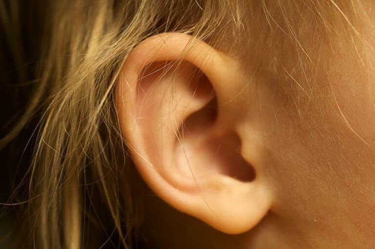 Горят уши