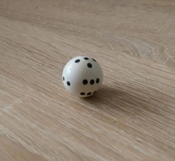 Круглый игральный кубик