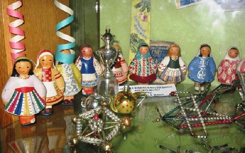 Национальные костюмы народов СССР