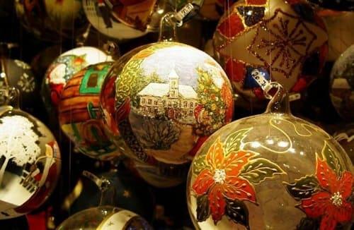 Раскрашенные вручную новогодние шары