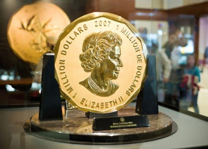 Золотая монета Елизаветы