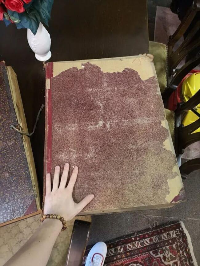 книга в 16 раз больше мужской руки