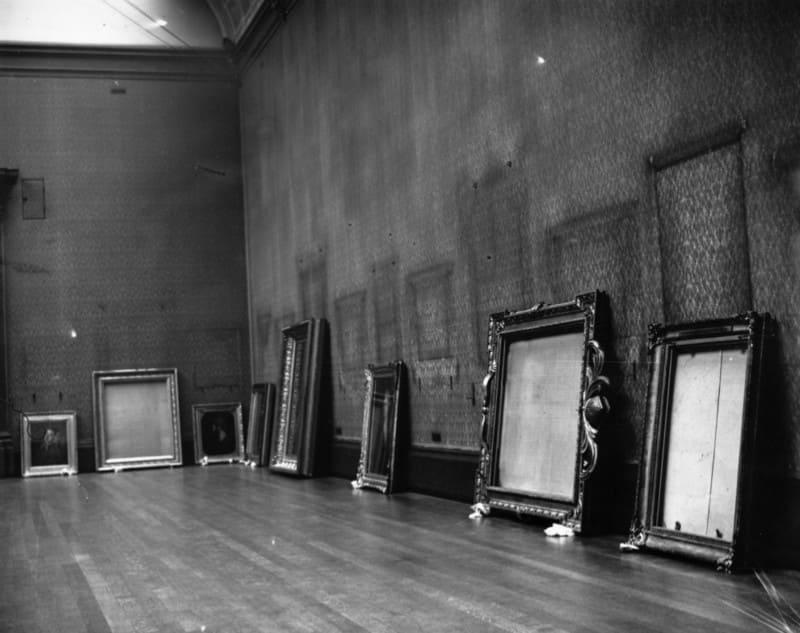 Пустые залы Национальной галереи в Лондоне