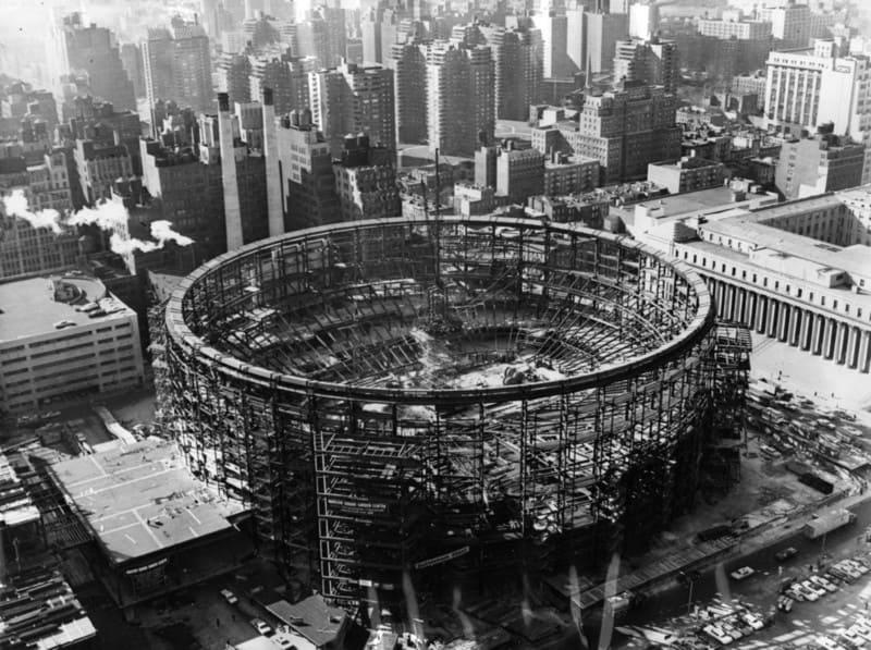 Строительство Мэдисон-сквер-гарден в Нью-Йорке