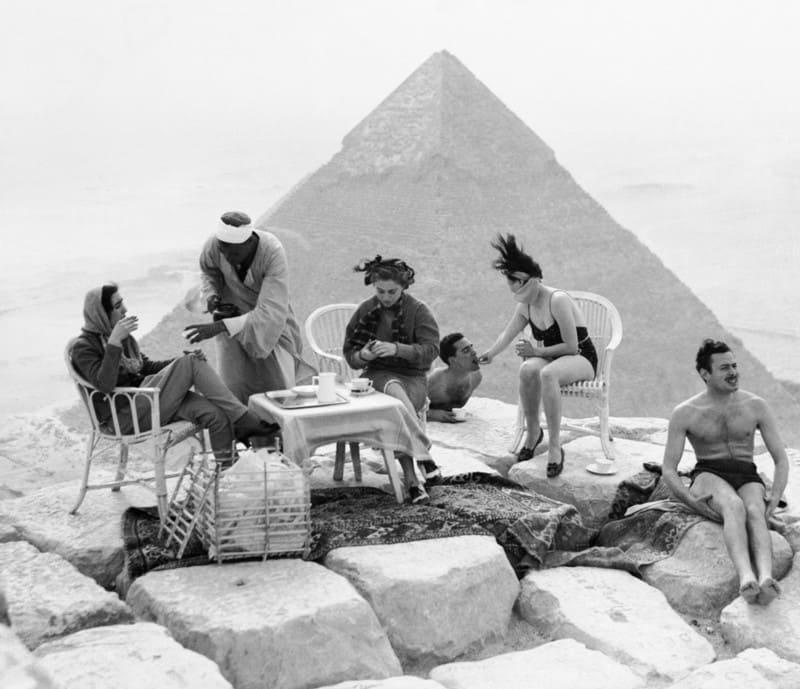 на вершине Великих пирамид в Гизе