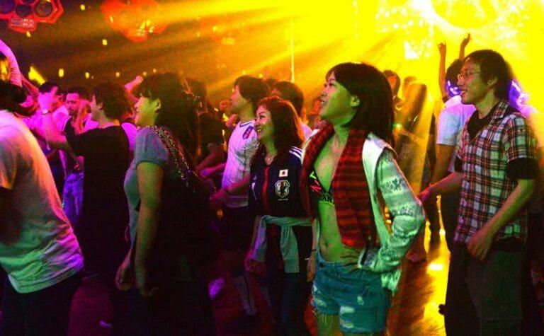 До 2015 года в Японии было запрещено танцевать после полуночи