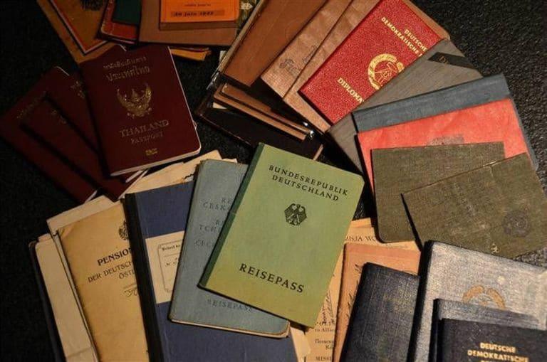 Коллекционер паспортов