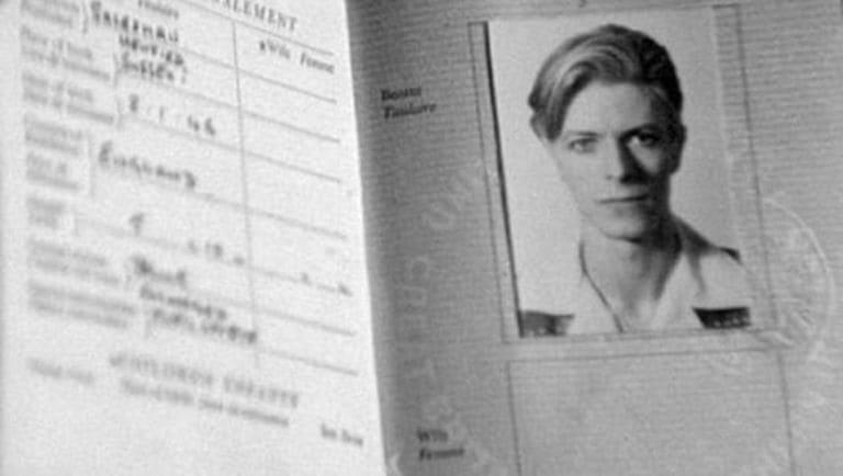 Паспорт Дэвида Боуи