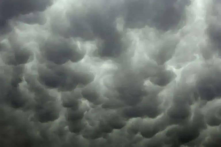 Трубчатые облака необычной формы