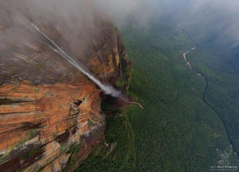 Самый высокий в мире водопад Анхель