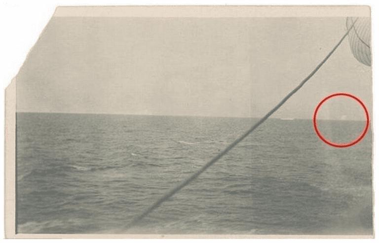 фотография айсберга, в который врезался Титаник
