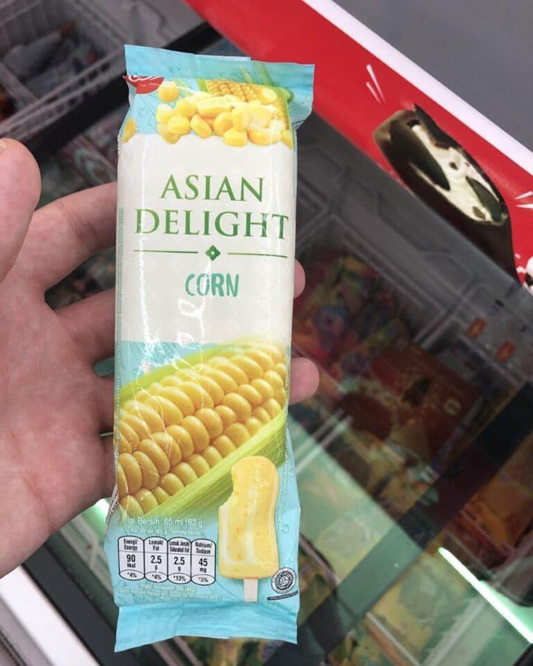Кукурузное мороженое продается в Малайзии