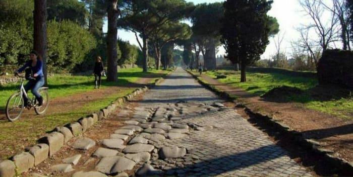 В Риме есть дорога