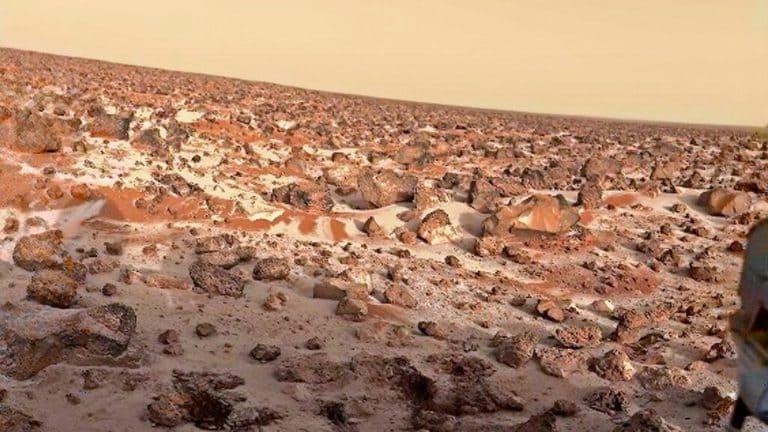 Иней и снег на Марсе