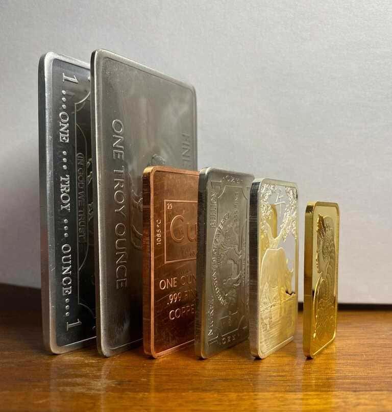 Как выглядят слитки разных металлов