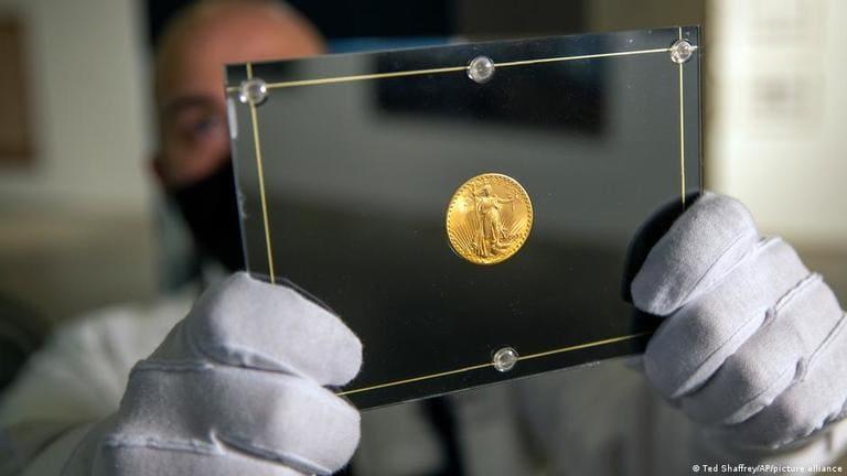 """Золотая монета США """"Двойной орел"""" номиналом в 20 долларов"""