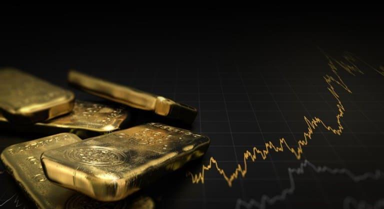 добыли около 80 мирового золота