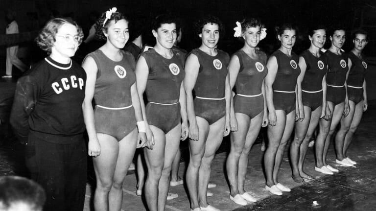 Женская сборная СССР по гимнастике на Олимпиаде-1952 в Хельсинки