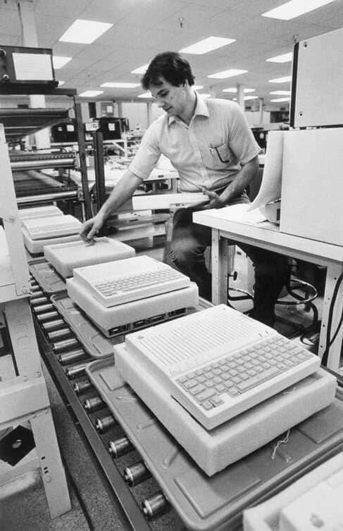производственной линией Apple II
